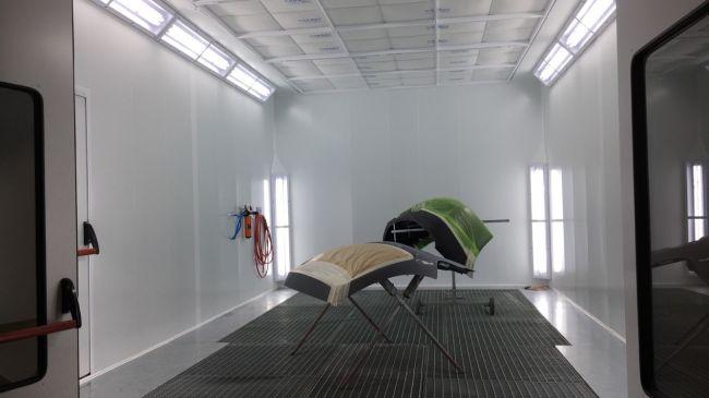 nouvel cabine de peinture pour c l brer celle ci franchise offerte proche de toulouse. Black Bedroom Furniture Sets. Home Design Ideas